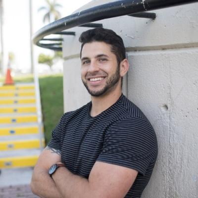Luis Diaz Best Entrepreneur Podcast